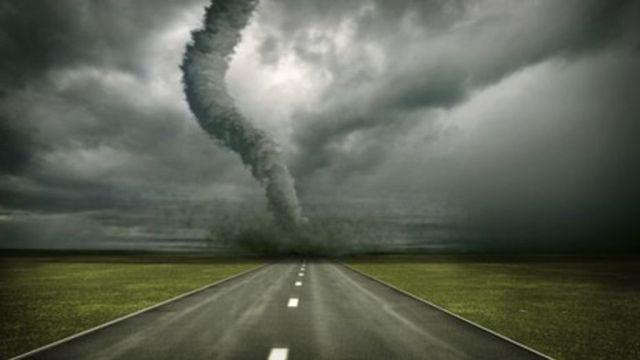 _83647612_tornado